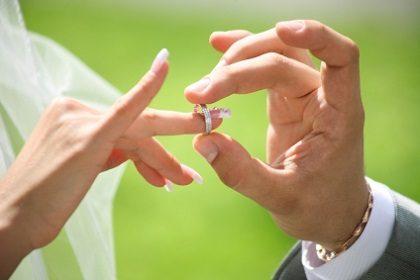 زوجین باید ضرورت مشاوره پیش از ازدواج را جدی بگیرند.