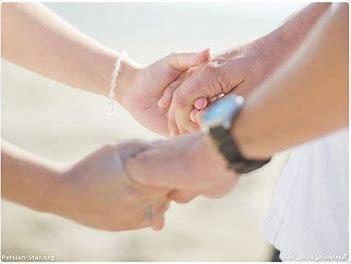 مرد های تازه ازدواج کرده باید به همسرشان بیشتر توجه کنند.