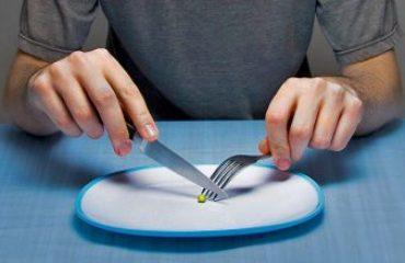 اختلالات خوردن به دلایل مختلفی ایجاد می شود.