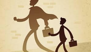 رفتار های معمول افراد با استحقاق بزرگ منشی