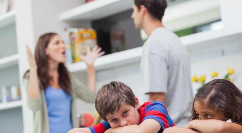 مشکلات روانی کودکان طلاق