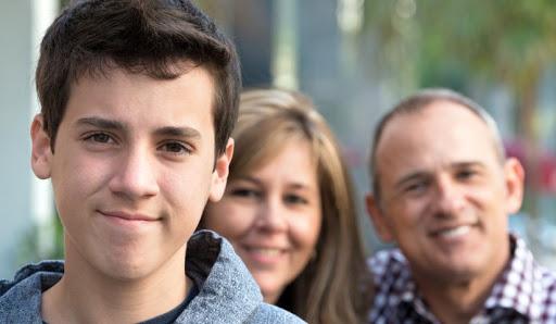 رابطه ی نوجوان با پدر و مادر