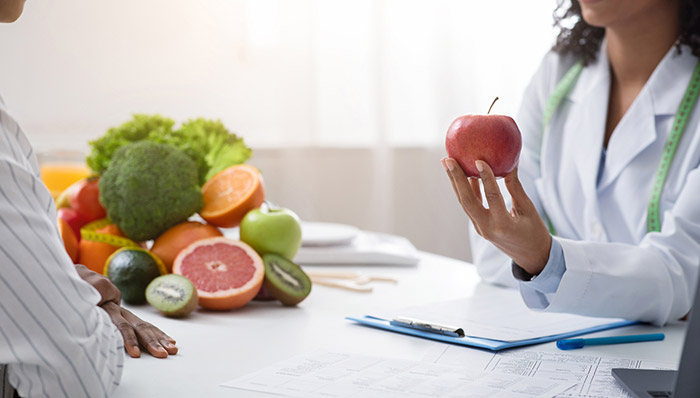 مشاوره تغذیه ما را در تشخیص مواد غذایی مفید و مضر برای بدن راهنمایی می کند.
