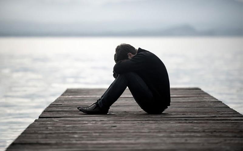 مشاوره خودکشی می تواند مانع از بروز اتفاقات تلخ و دردناک شود.